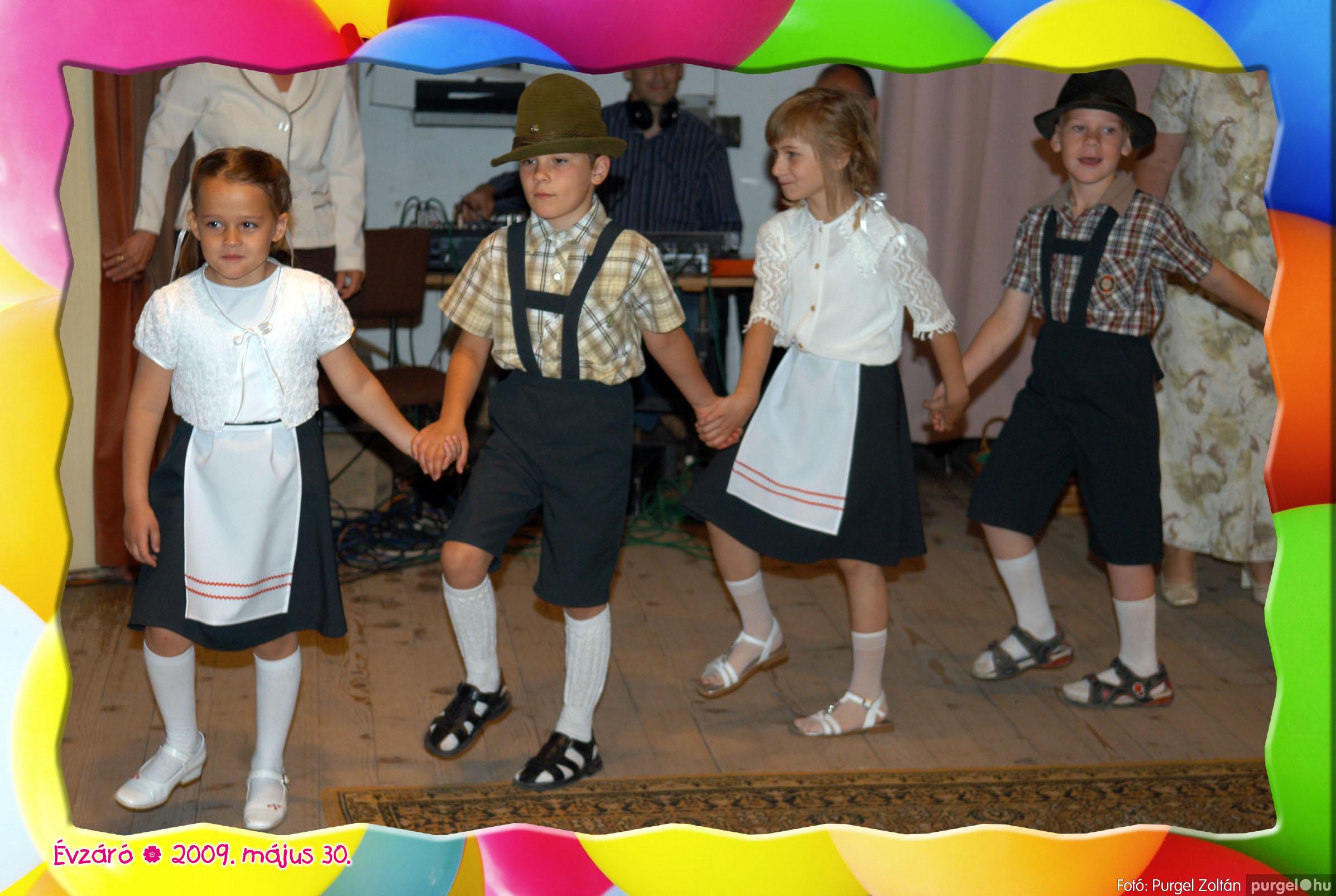 2009.05.30. 092 Kurca-parti Óvoda évzáró 2009. - Eszterlánc csoport - Fotó:PURGEL ZOLTÁN© 120.jpg