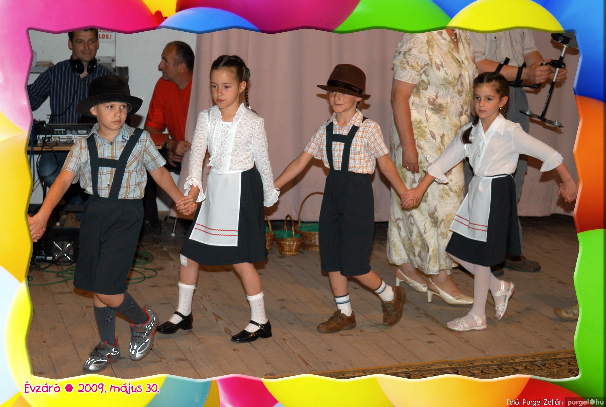 2009.05.30. 093 Kurca-parti Óvoda évzáró 2009. - Eszterlánc csoport - Fotó:PURGEL ZOLTÁN© 121.jpg