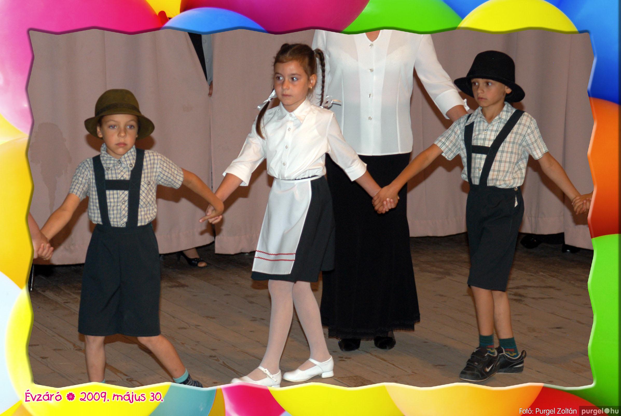 2009.05.30. 096 Kurca-parti Óvoda évzáró 2009. - Eszterlánc csoport - Fotó:PURGEL ZOLTÁN© 124.jpg