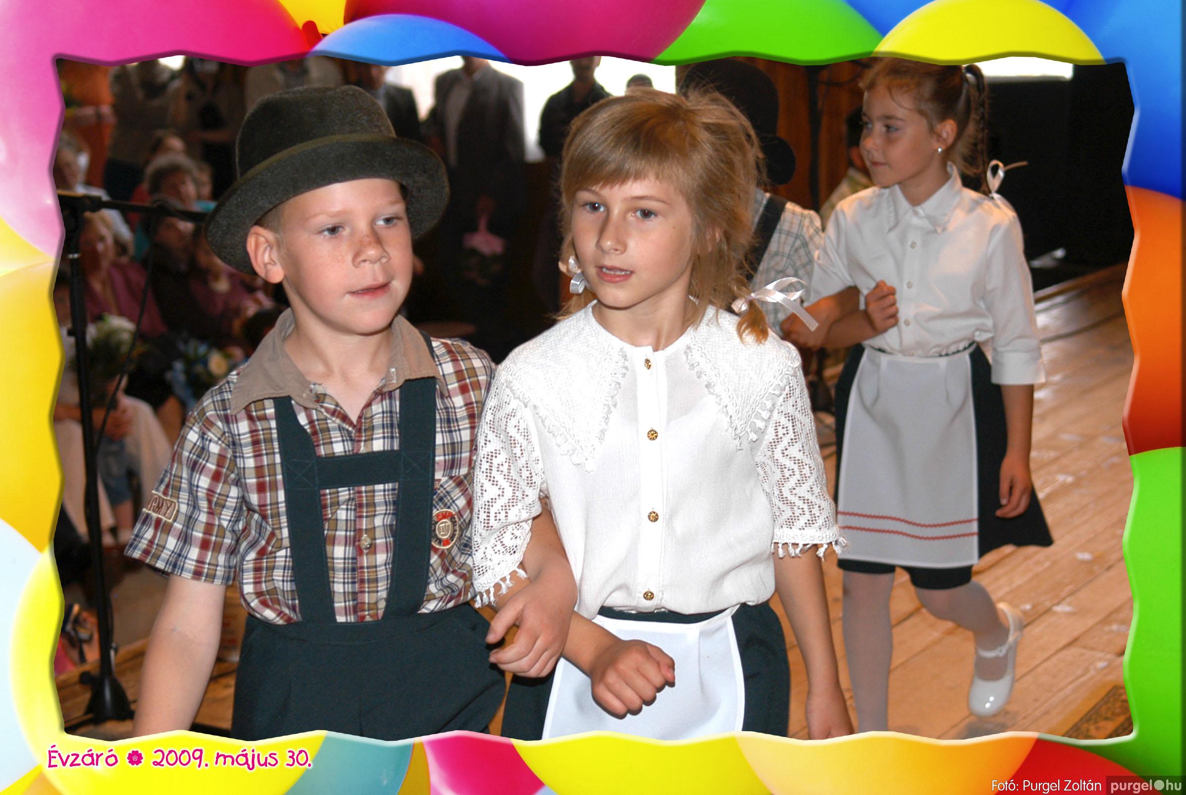 2009.05.30. 109 Kurca-parti Óvoda évzáró 2009. - Eszterlánc csoport - Fotó:PURGEL ZOLTÁN© 137.jpg