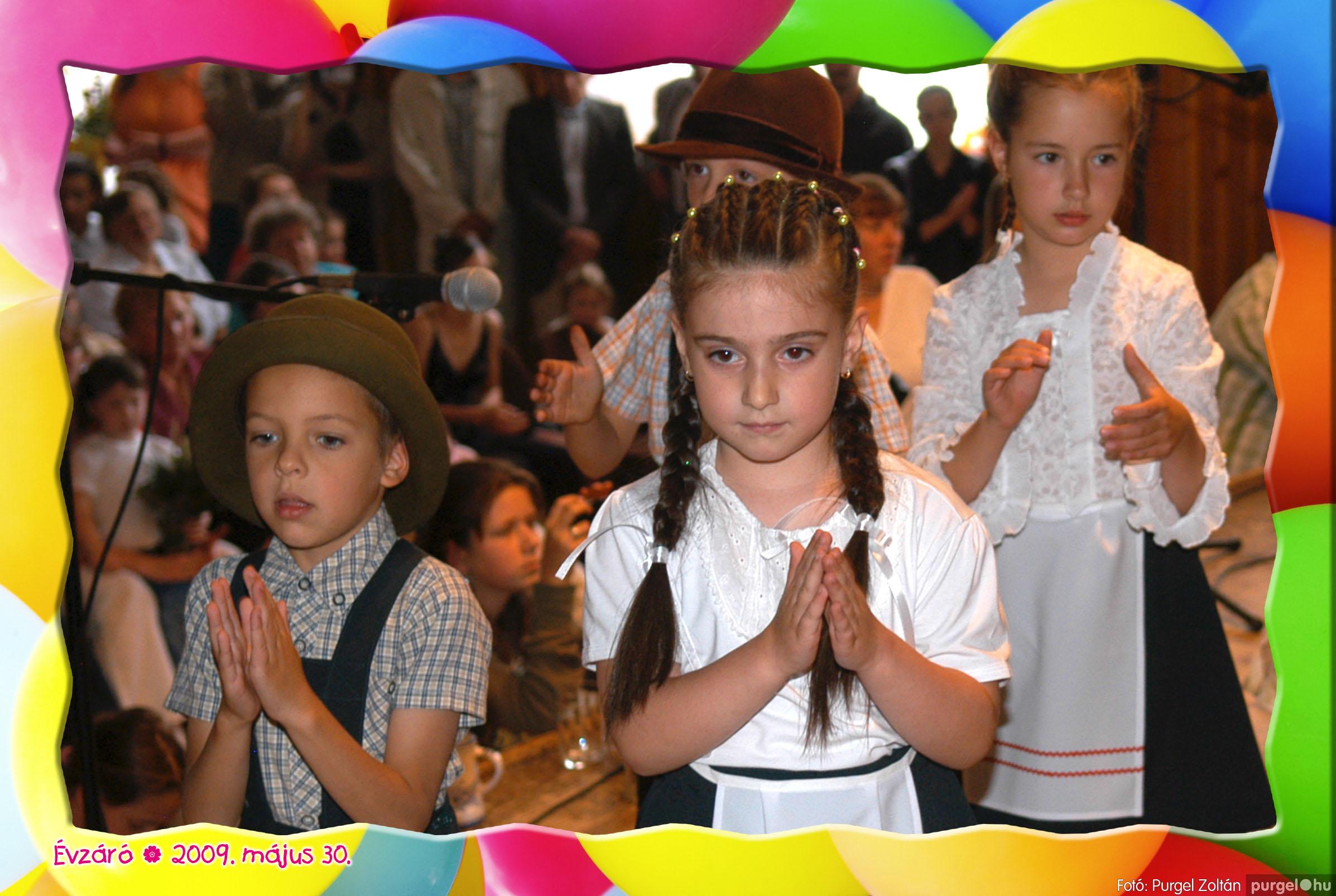2009.05.30. 123 Kurca-parti Óvoda évzáró 2009. - Eszterlánc csoport - Fotó:PURGEL ZOLTÁN© 155.jpg