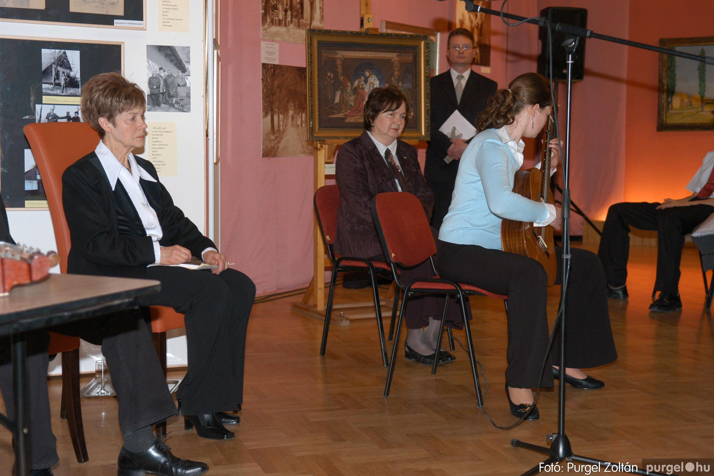 2008.04.07. 006 A tanító öröksége című kiállítás megnyitója Szegeden - Fotó:PURGEL ZOLTÁN© DSC_0633q.jpg