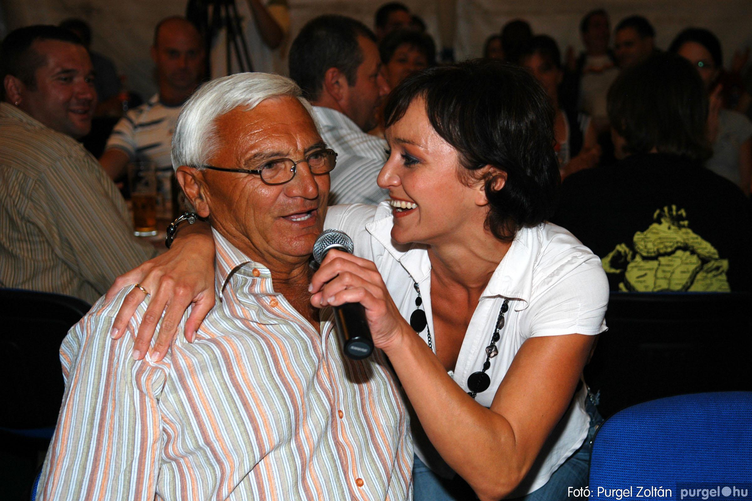 2008.08.09. 028 Szerb napok a Castellum Étteremben - Fotó:PURGEL ZOLTÁN© DSC_0343q.jpg