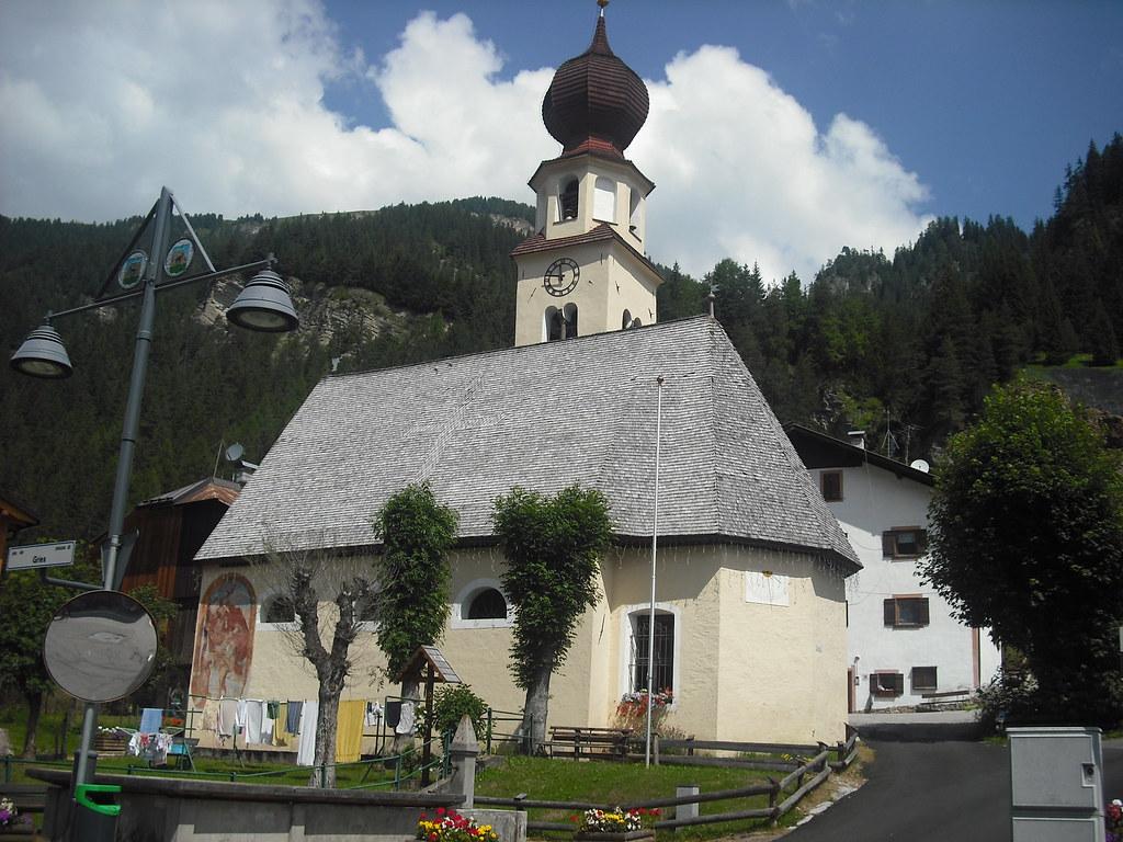 Canazei - chiesa della Madonna della Neve