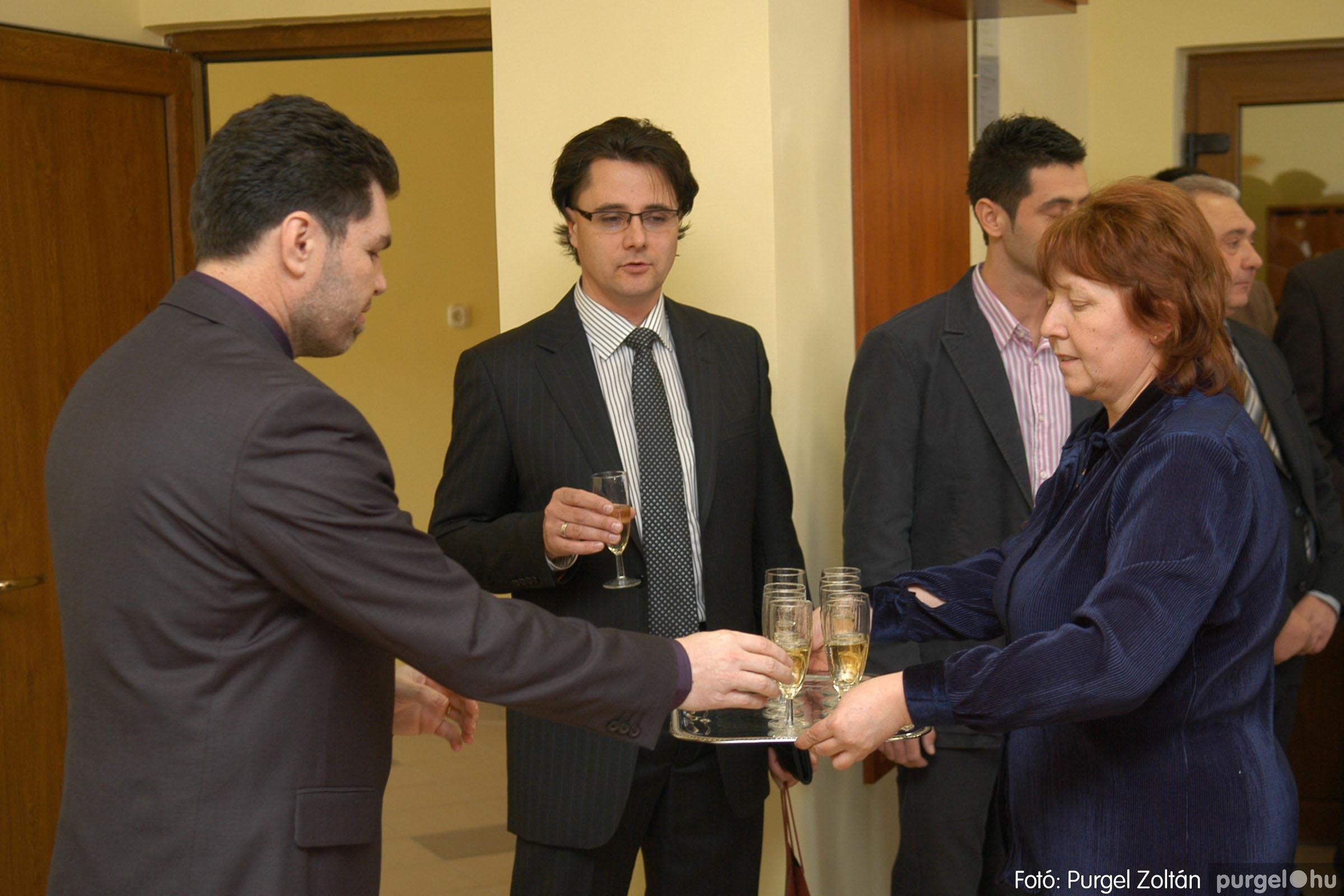 2010.01.28. 011 Szegvár és Vidéke Takarékszövetkezet kisteleki kirendeltség megnyitó - Fotó:P. Z.©.jpg