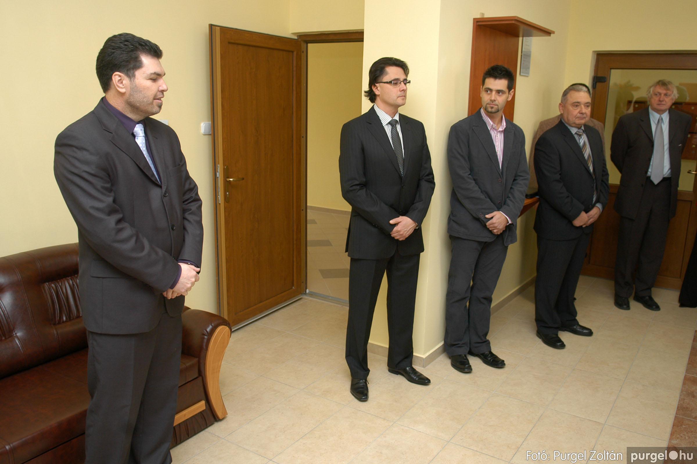 2010.01.28. 001 Szegvár és Vidéke Takarékszövetkezet kisteleki kirendeltség megnyitó - Fotó:P. Z.©.jpg