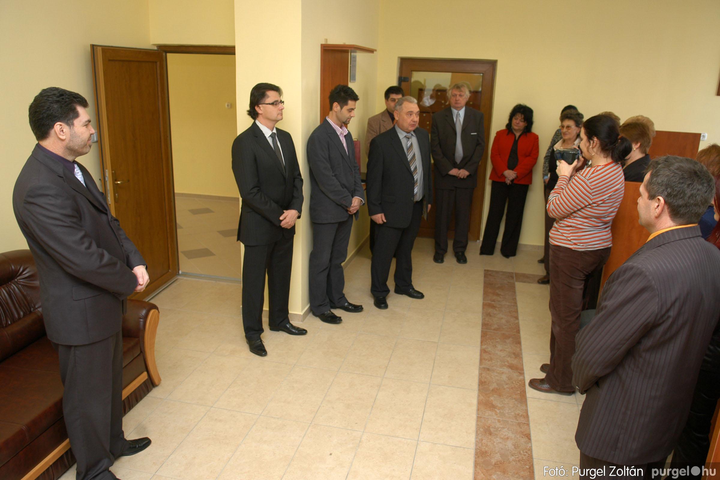 2010.01.28. 004 Szegvár és Vidéke Takarékszövetkezet kisteleki kirendeltség megnyitó - Fotó:P. Z.©.jpg