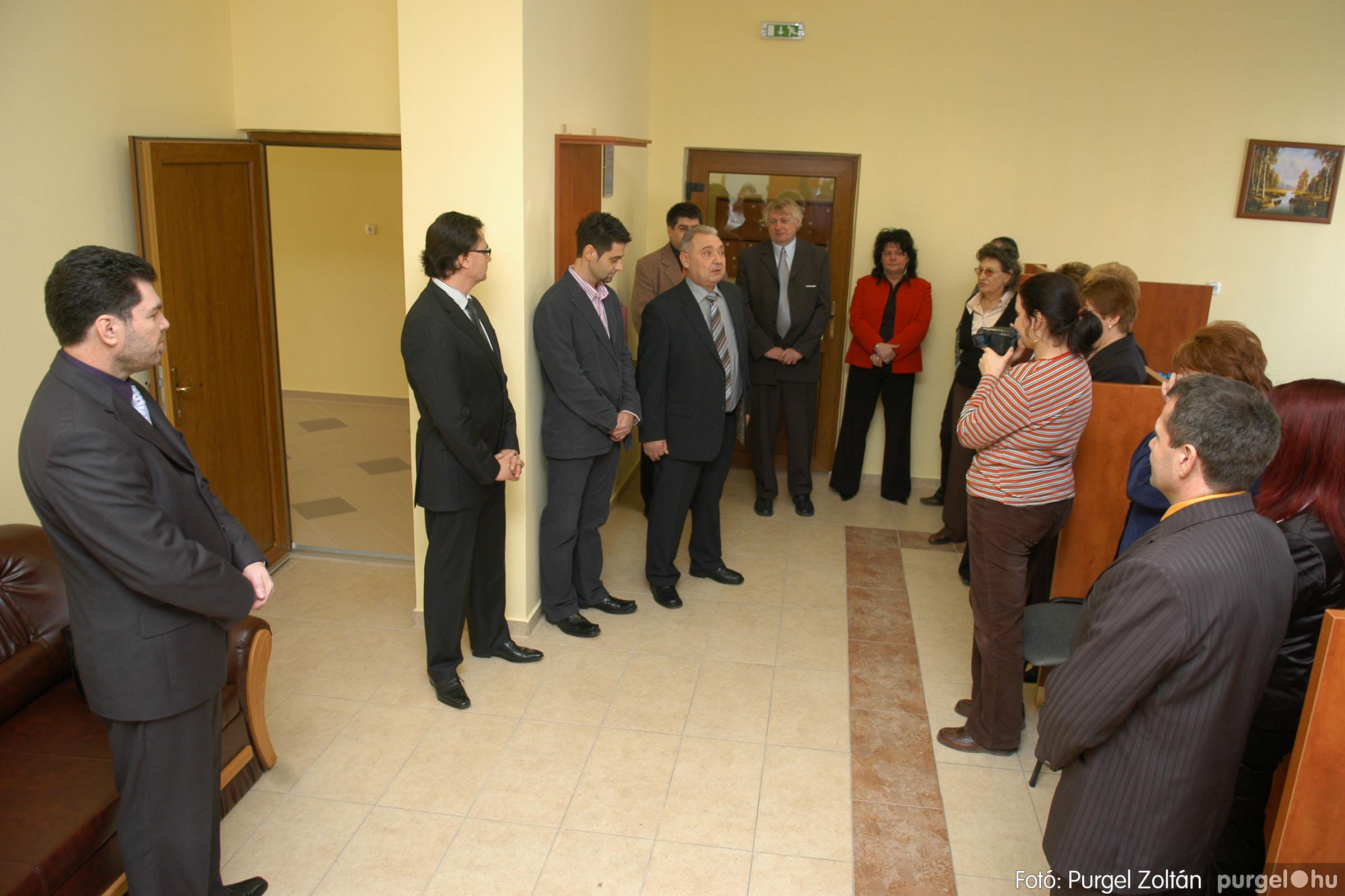 2010.01.28. 006 Szegvár és Vidéke Takarékszövetkezet kisteleki kirendeltség megnyitó - Fotó:P. Z.©.jpg