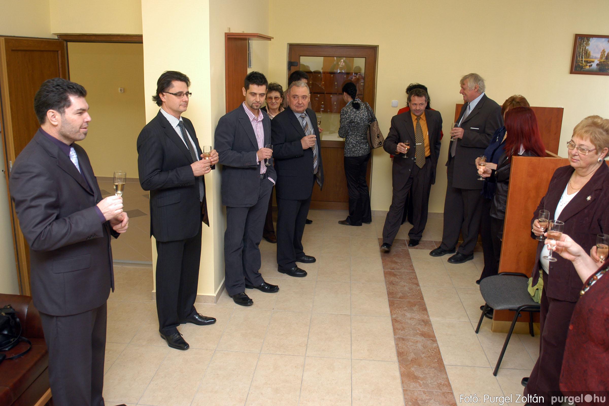 2010.01.28. 013 Szegvár és Vidéke Takarékszövetkezet kisteleki kirendeltség megnyitó - Fotó:P. Z.©.jpg