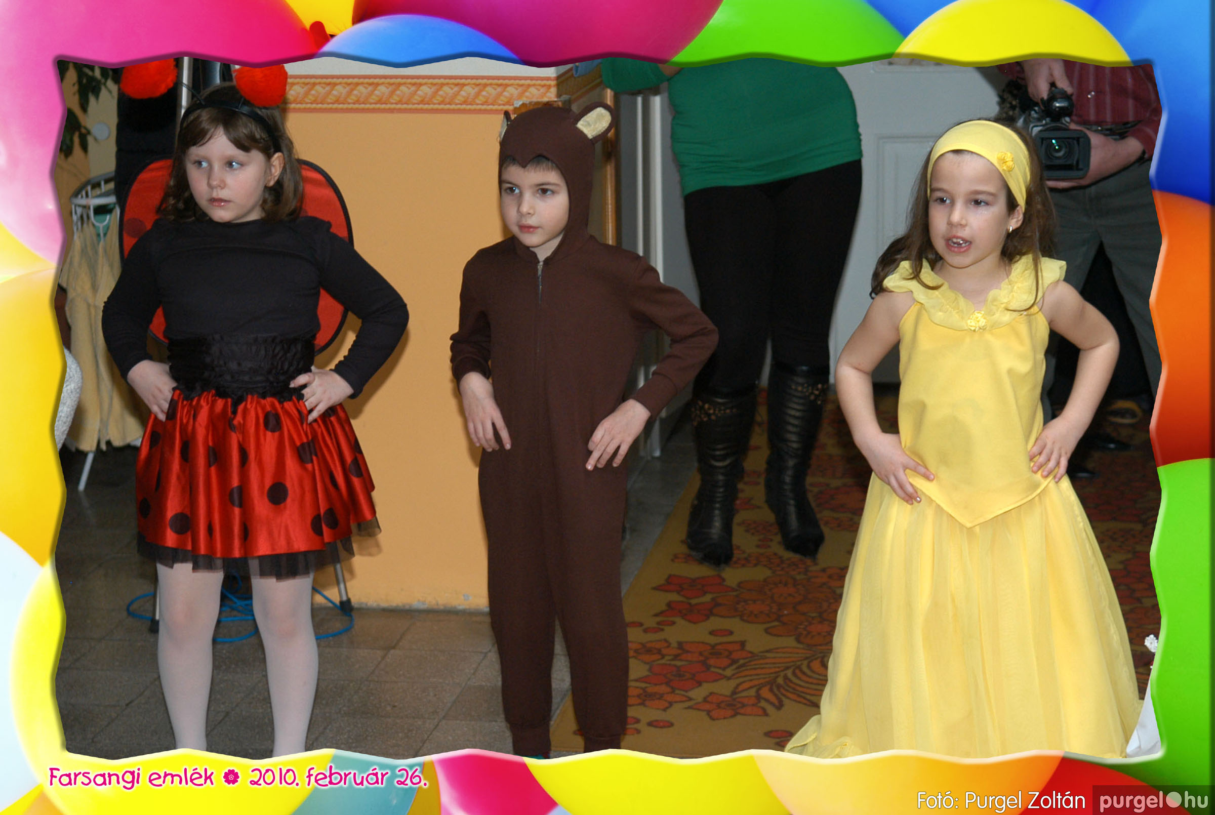 2010.02.26. 161 Kurca-parti Óvoda farsang 2010. - Nyitnikék csoport - Fotó:PURGEL ZOLTÁN© 519.jpg