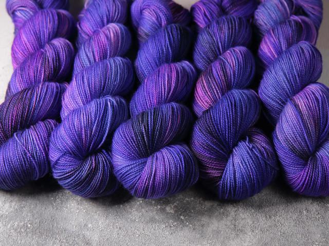 Favourite Sock – hand-dyed superwash merino wool yarn 4 ply/fingering 100g – 'Delphinium'