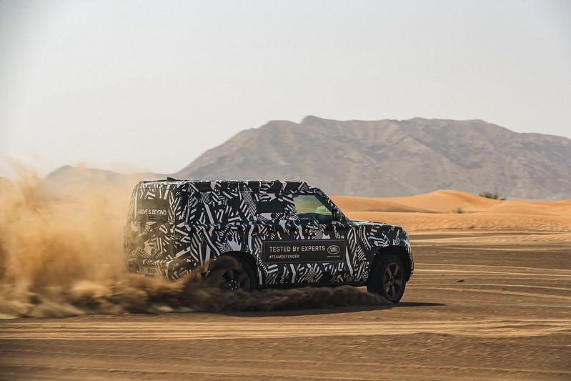 d0df9ab0-2020-land-rover-defender-desert-dubai-testing-14