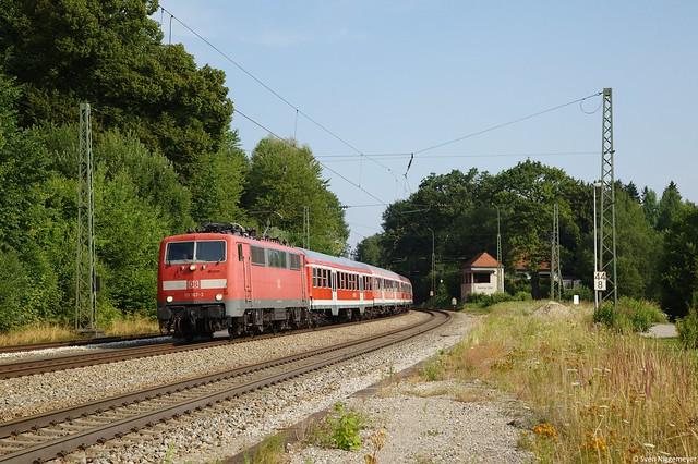 111 167-3 mit einem Regionalexpress von München Hbf nach Salzburg in Aßling am 20.07.13