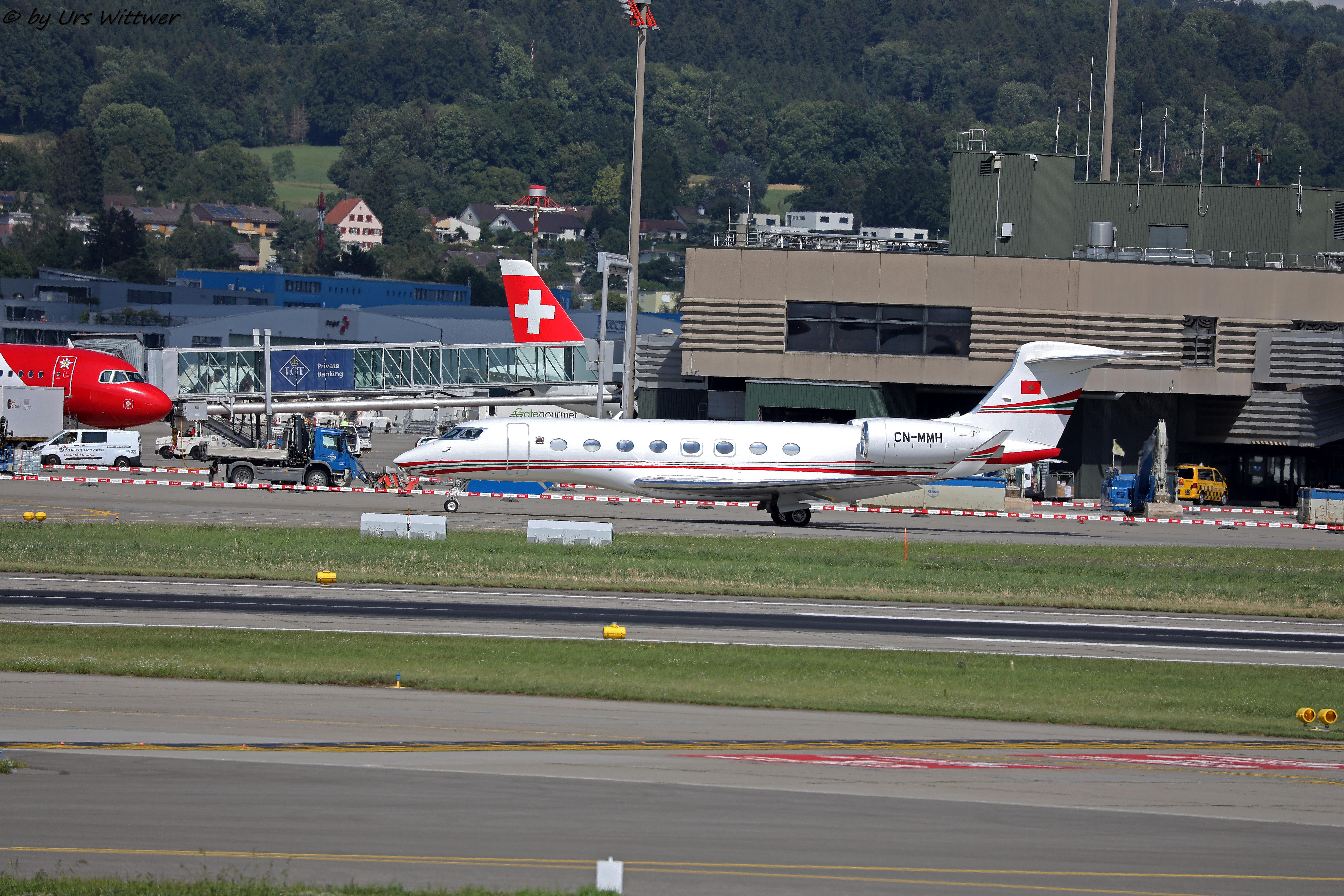 FRA: Avions VIP, Liaison & ECM - Page 23 48447822527_5414032d26_o