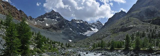 Italy - Lombardia - Pizzo Casandra (3225 m) above the valley Valmalenco near Rifugio Ventina