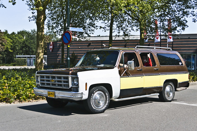 Chevrolet Suburban 1978 (6834)