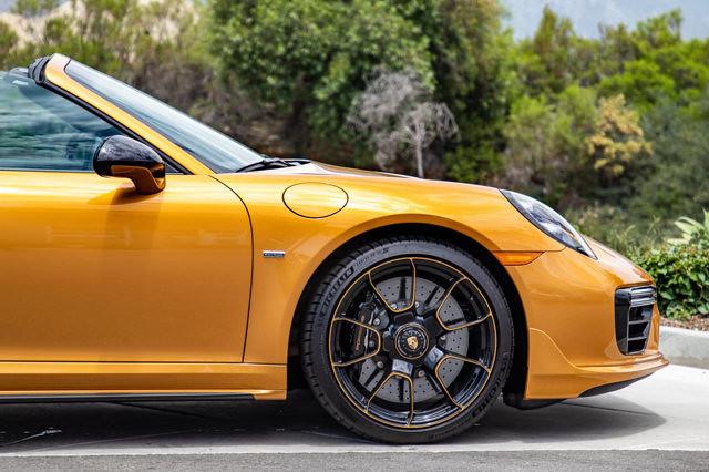 b56651b2-porsche-911-turbo-s-cabriolet-exclusive-series-21