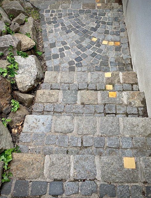Follow the yellow cobble road...