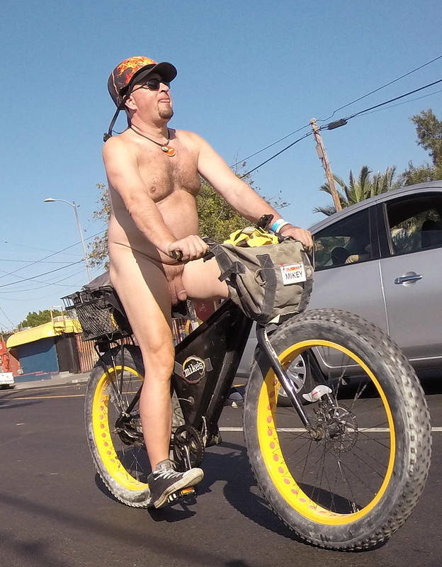 LA World Naked Bike Ride 2019 (172732A)