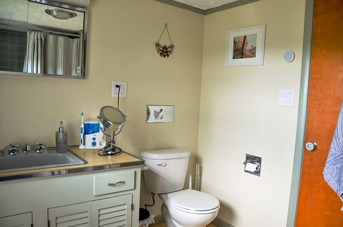 Upstairs Bathroom Repaint - New artwork!