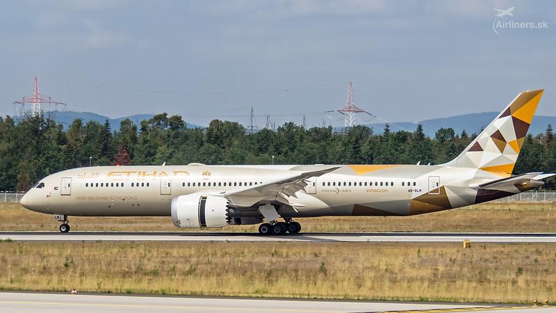A6-BLM Etihad Airways Boeing 787-9 Dreamliner