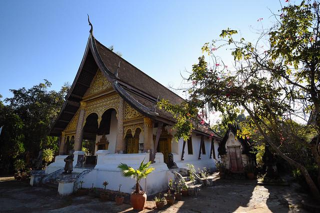 Sim, Wat Choumkhong