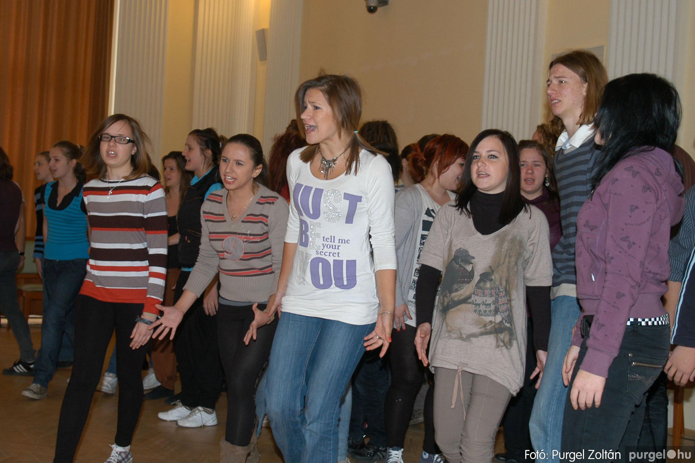 2010.10.28. 103 Szegvár és Vidéke Takarékszövetkezet takarékossági világnap rendezvény - Fotó:P. Z..jpg
