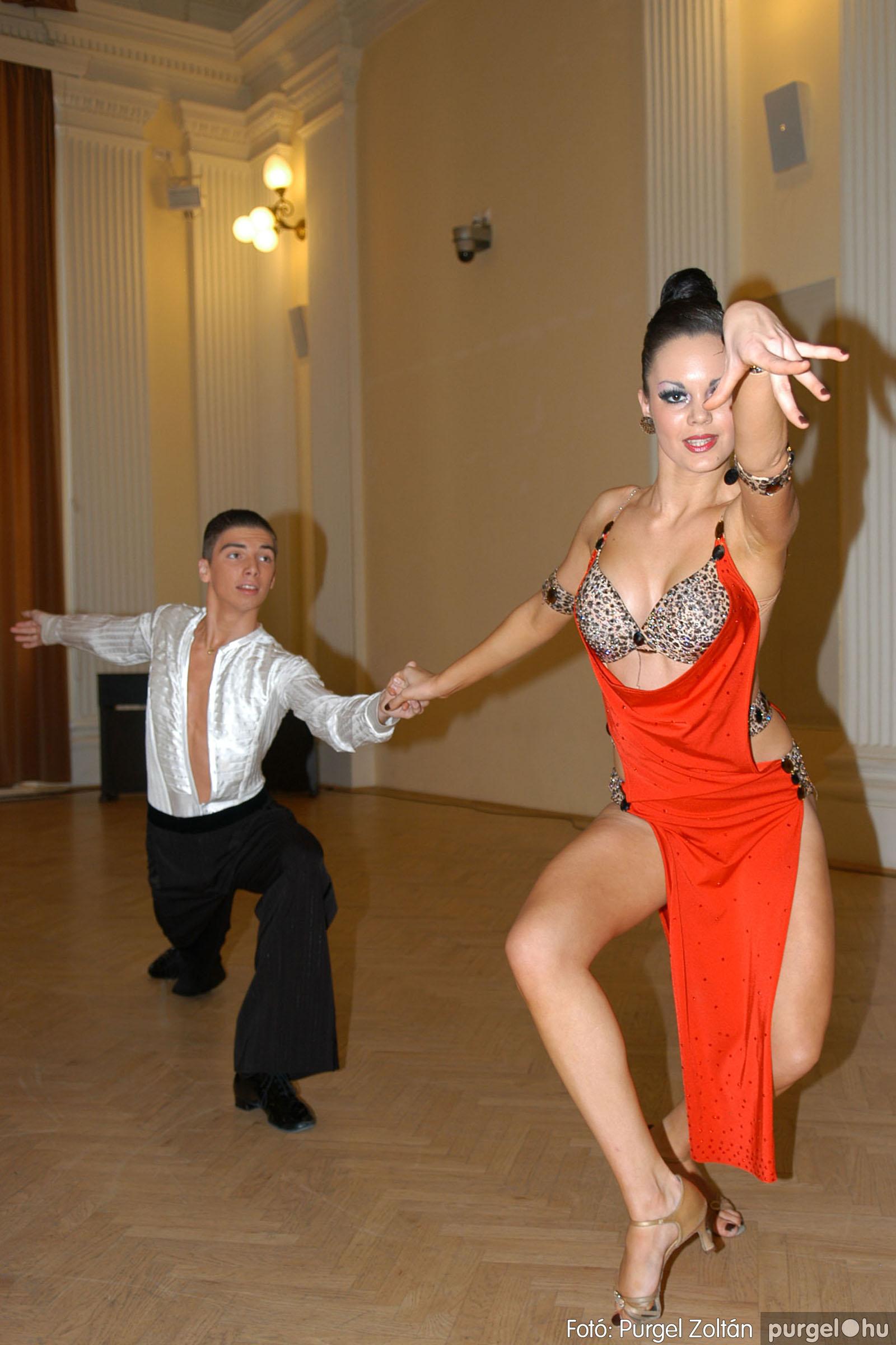2010.10.28. 150 Szegvár és Vidéke Takarékszövetkezet takarékossági világnap rendezvény - Fotó:P. Z..jpg