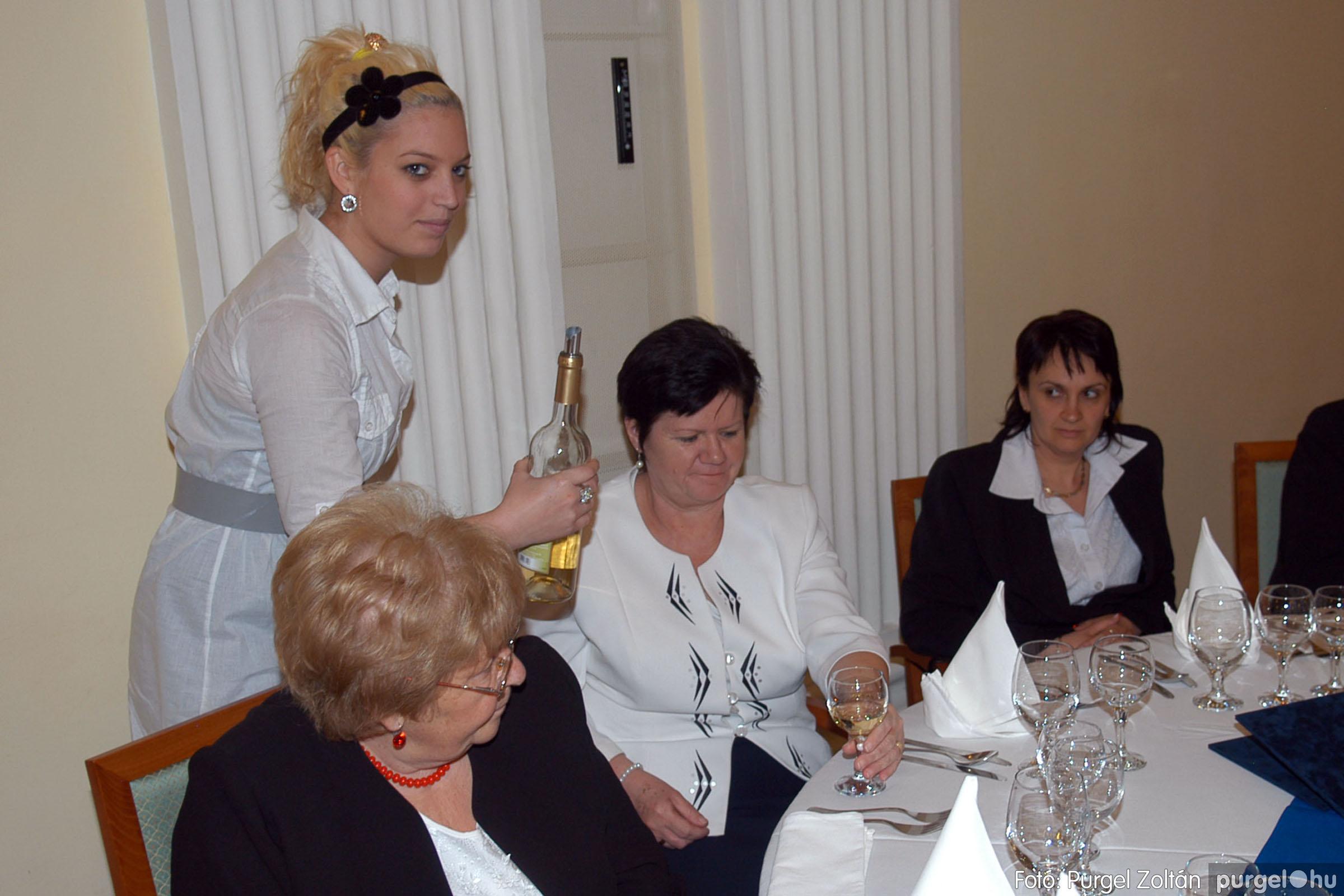 2010.10.28. 174 Szegvár és Vidéke Takarékszövetkezet takarékossági világnap rendezvény - Fotó:P. Z..jpg