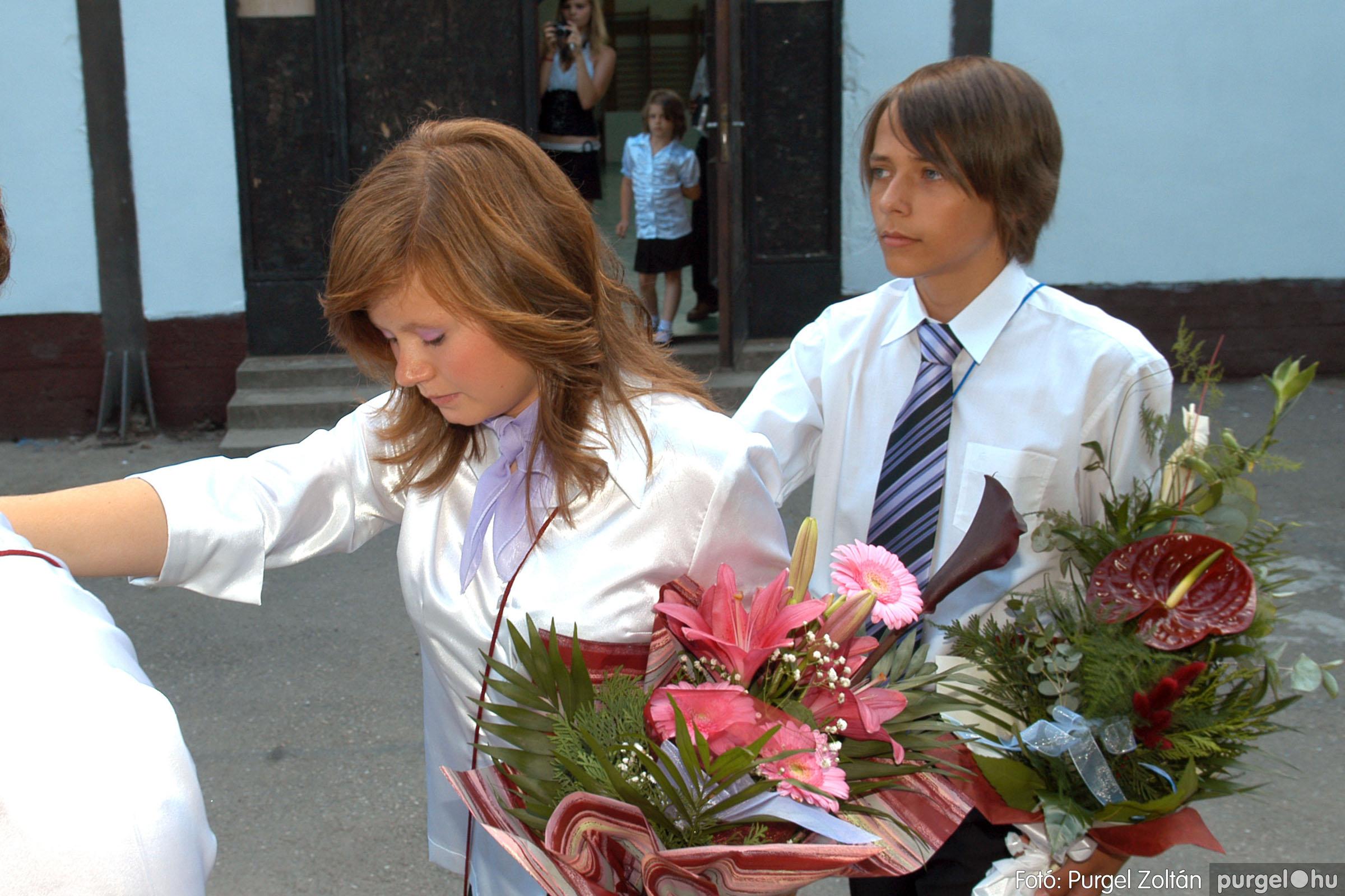 2011.06.18. 100 Forray Máté Általános Iskola ballagás 2011. - Fotó:PURGEL ZOLTÁN© DSC_0134q.jpg