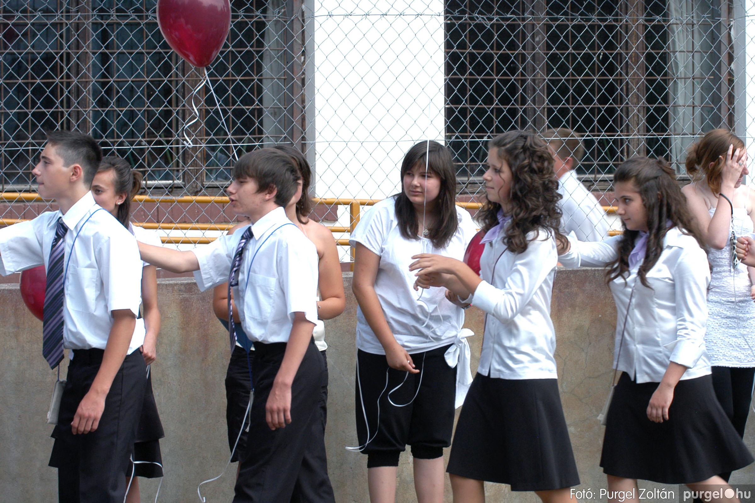 2011.06.18. 361 Forray Máté Általános Iskola ballagás 2011. - Fotó:PURGEL ZOLTÁN© DSC_0575q.jpg