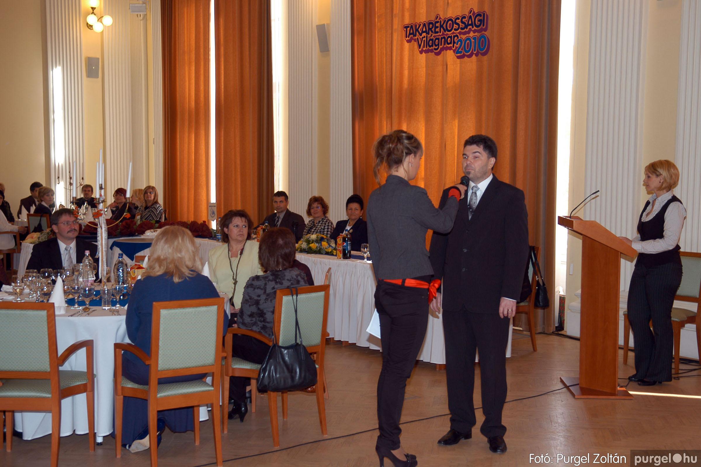2010.10.28. 001 Szegvár és Vidéke Takarékszövetkezet takarékossági világnap rendezvény - Fotó:P. Z..jpg