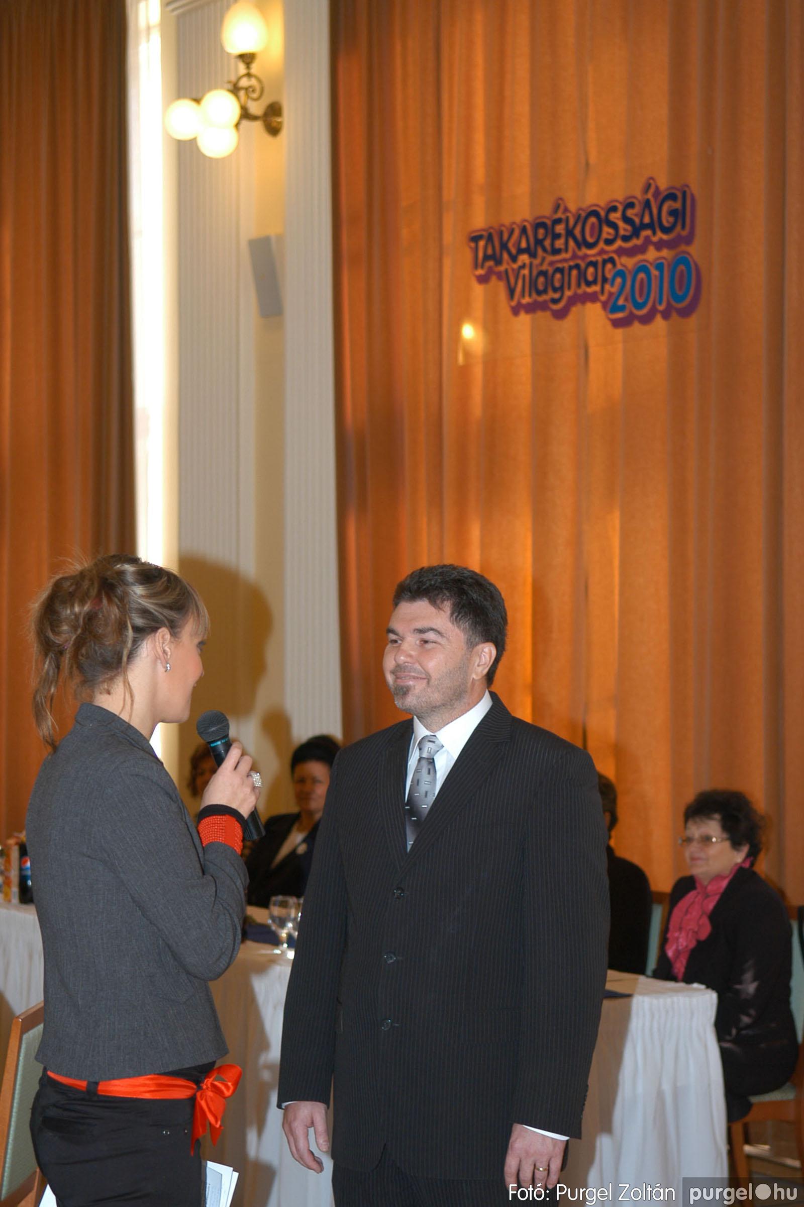 2010.10.28. 004 Szegvár és Vidéke Takarékszövetkezet takarékossági világnap rendezvény - Fotó:P. Z..jpg