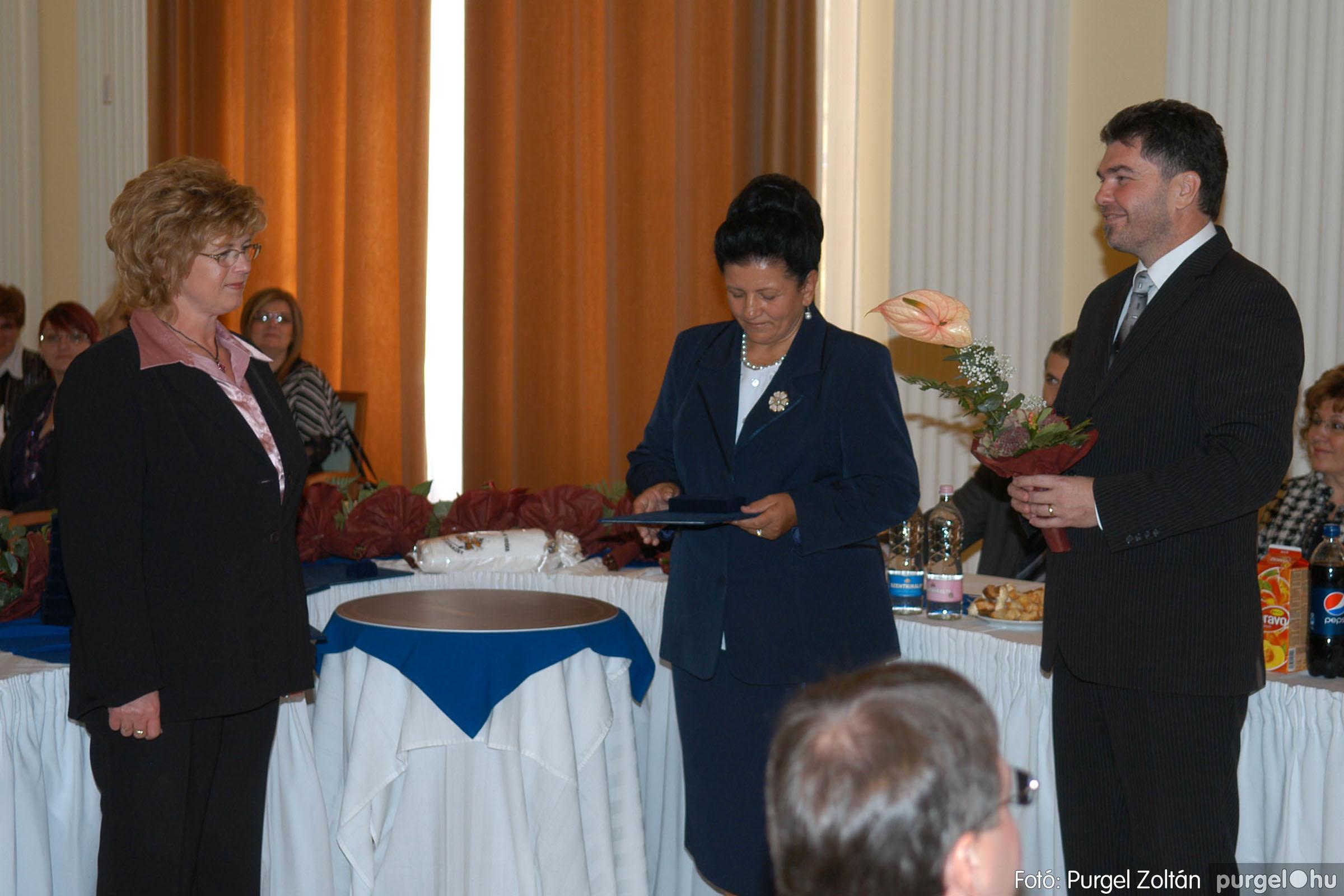 2010.10.28. 047 Szegvár és Vidéke Takarékszövetkezet takarékossági világnap rendezvény - Fotó:P. Z..jpg