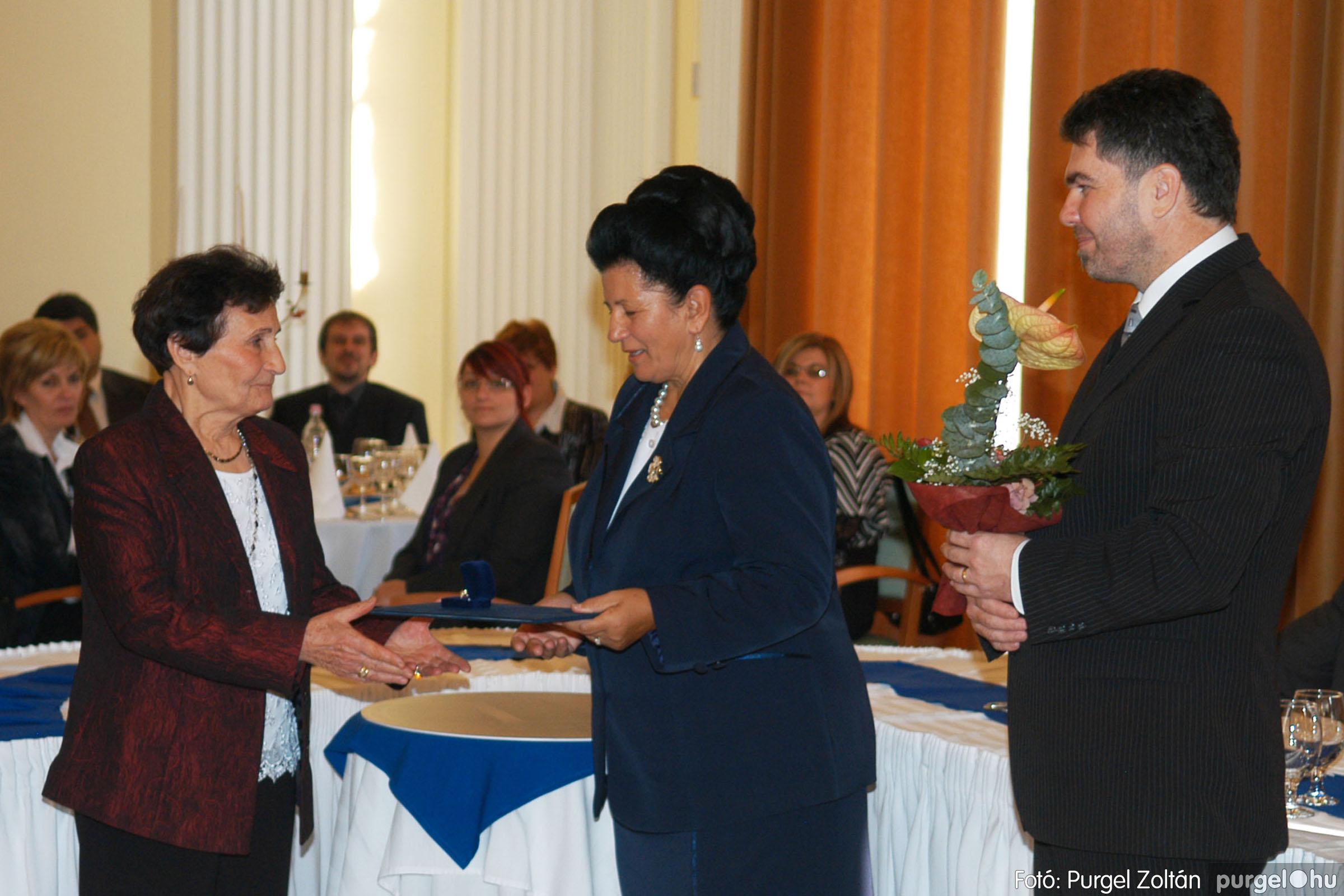2010.10.28. 096 Szegvár és Vidéke Takarékszövetkezet takarékossági világnap rendezvény - Fotó:P. Z..jpg