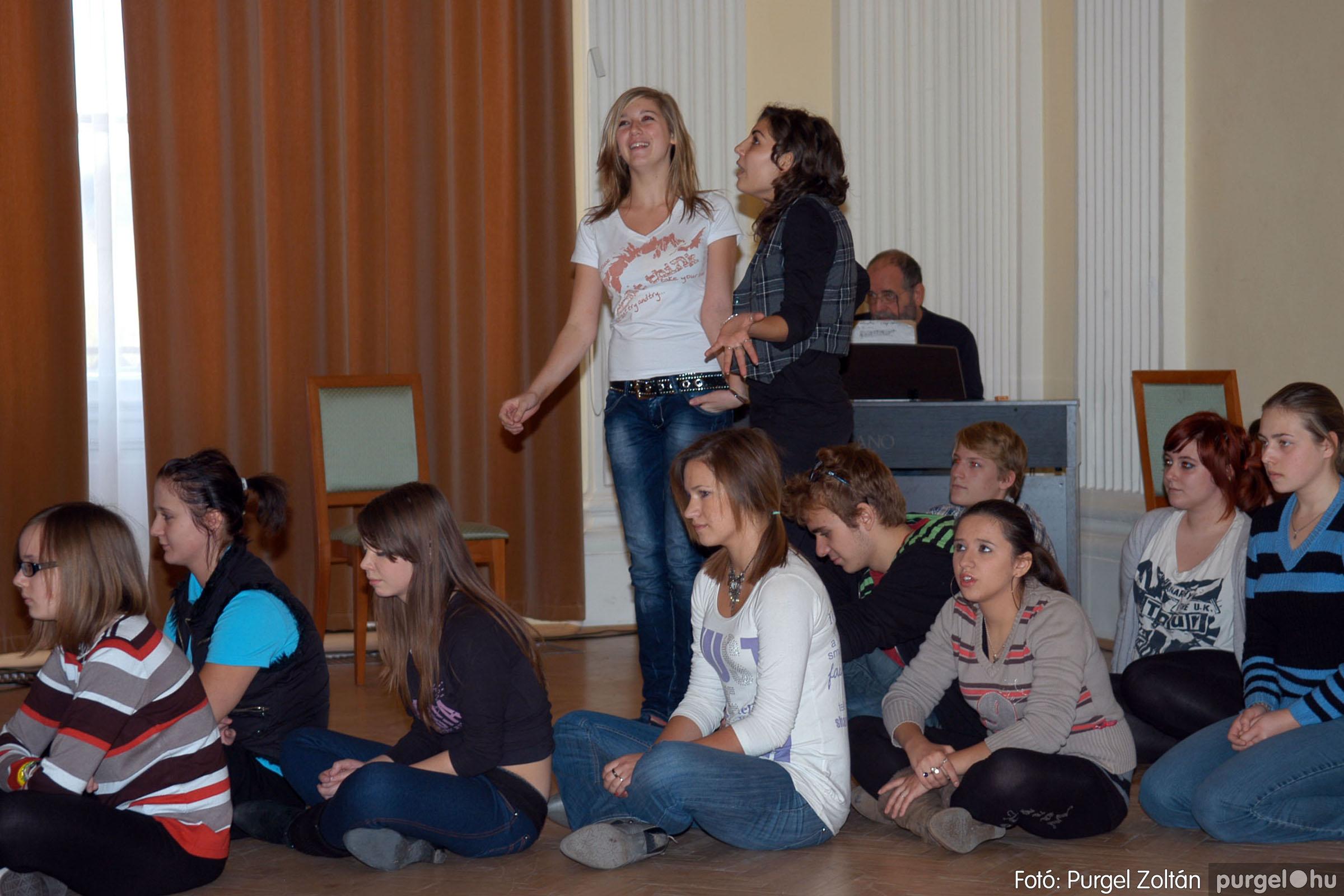 2010.10.28. 110 Szegvár és Vidéke Takarékszövetkezet takarékossági világnap rendezvény - Fotó:P. Z..jpg