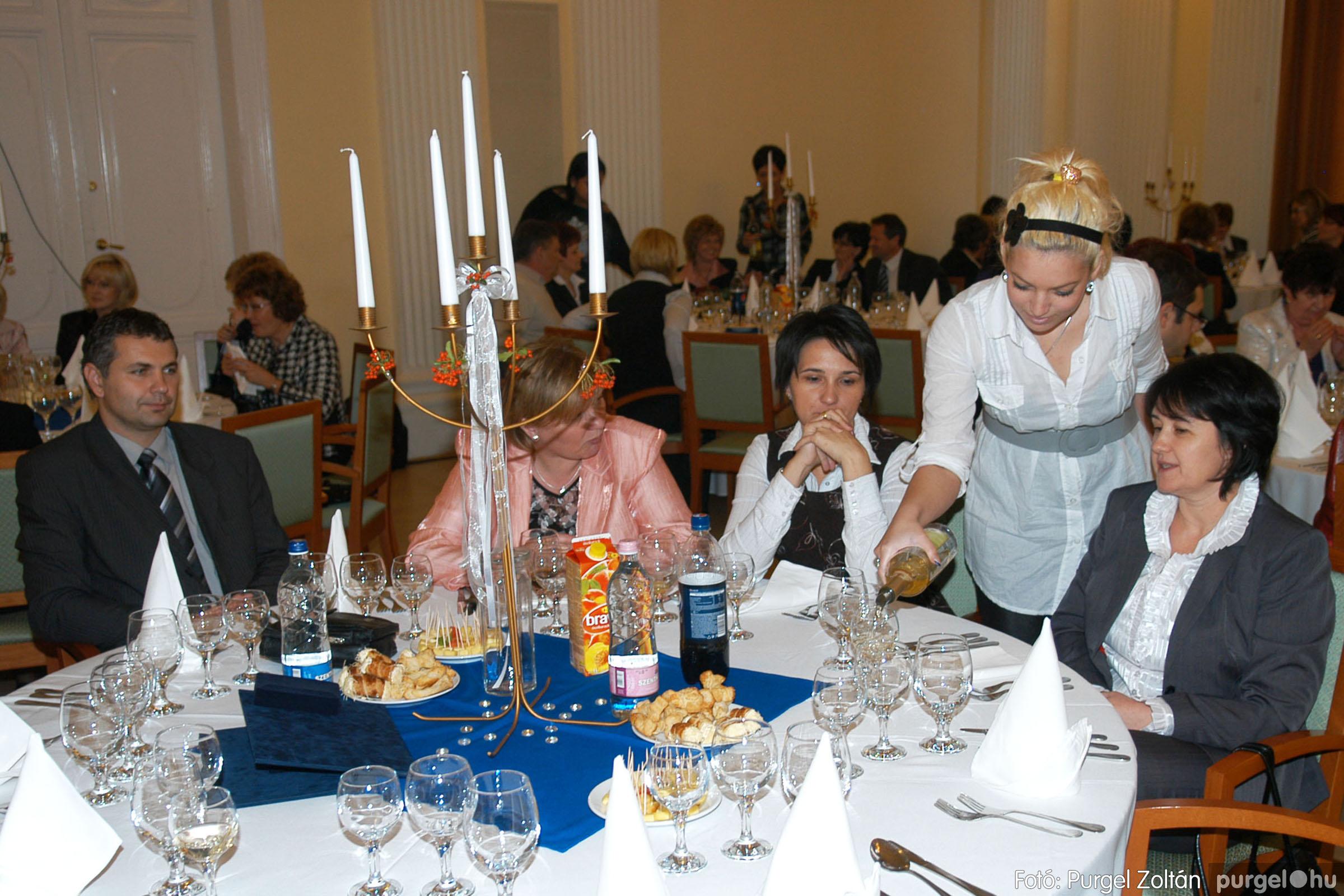 2010.10.28. 175 Szegvár és Vidéke Takarékszövetkezet takarékossági világnap rendezvény - Fotó:P. Z..jpg