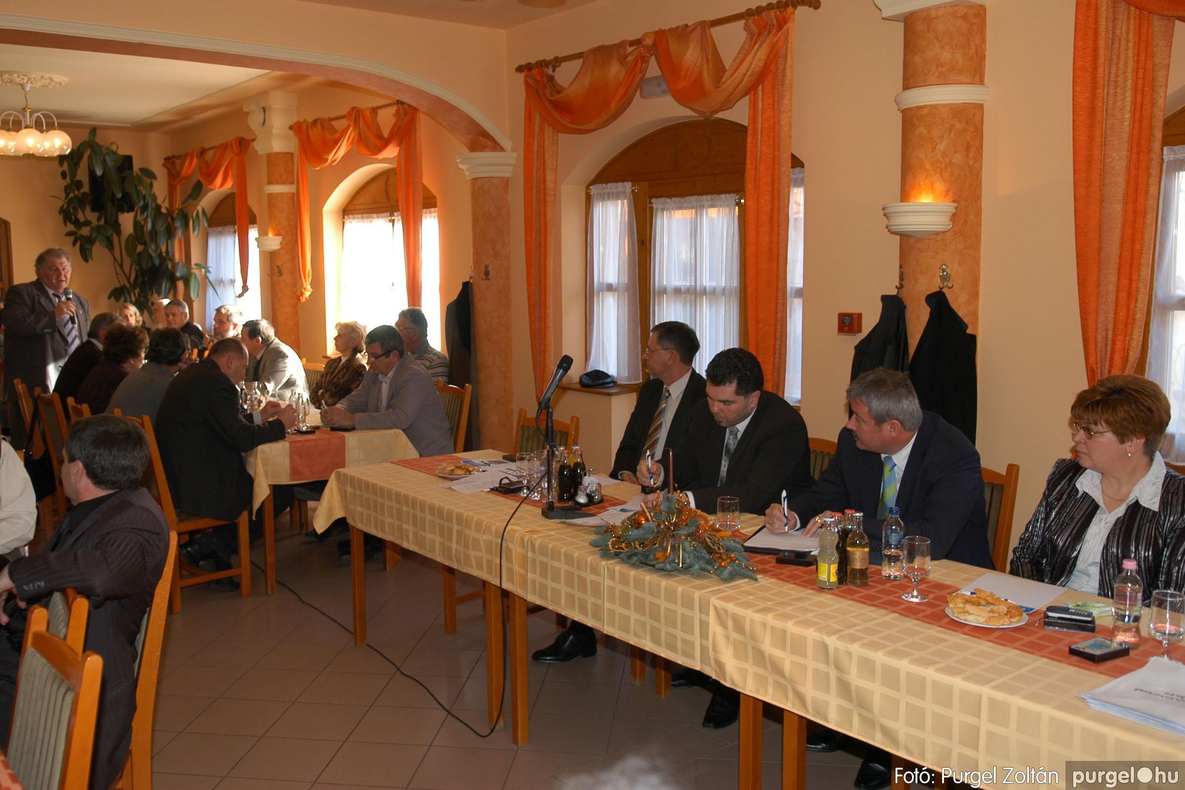 2010.12.10. 021 Szegvár és Vidéke Takarékszövetkezet évzáró - Fotó:PURGEL ZOLTÁN© DSC_0323q.jpg