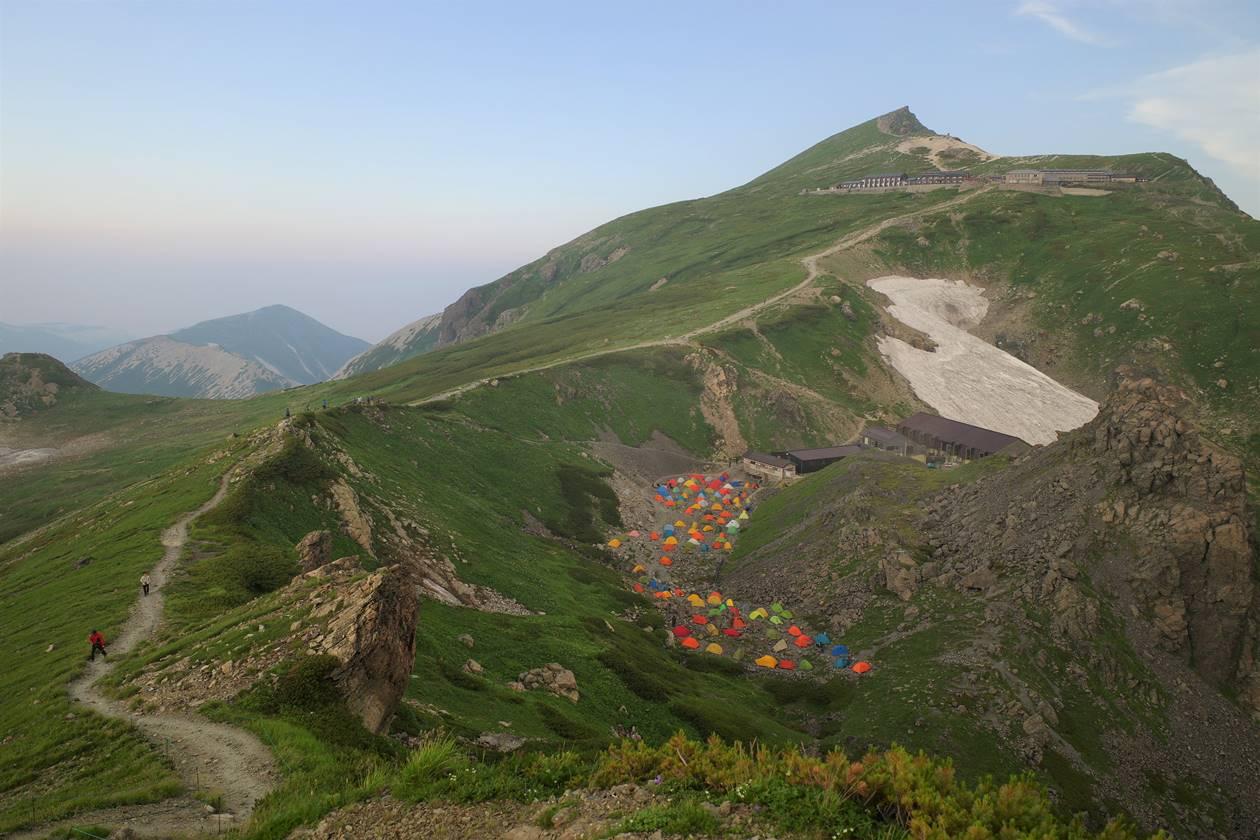 白馬岳とテント場