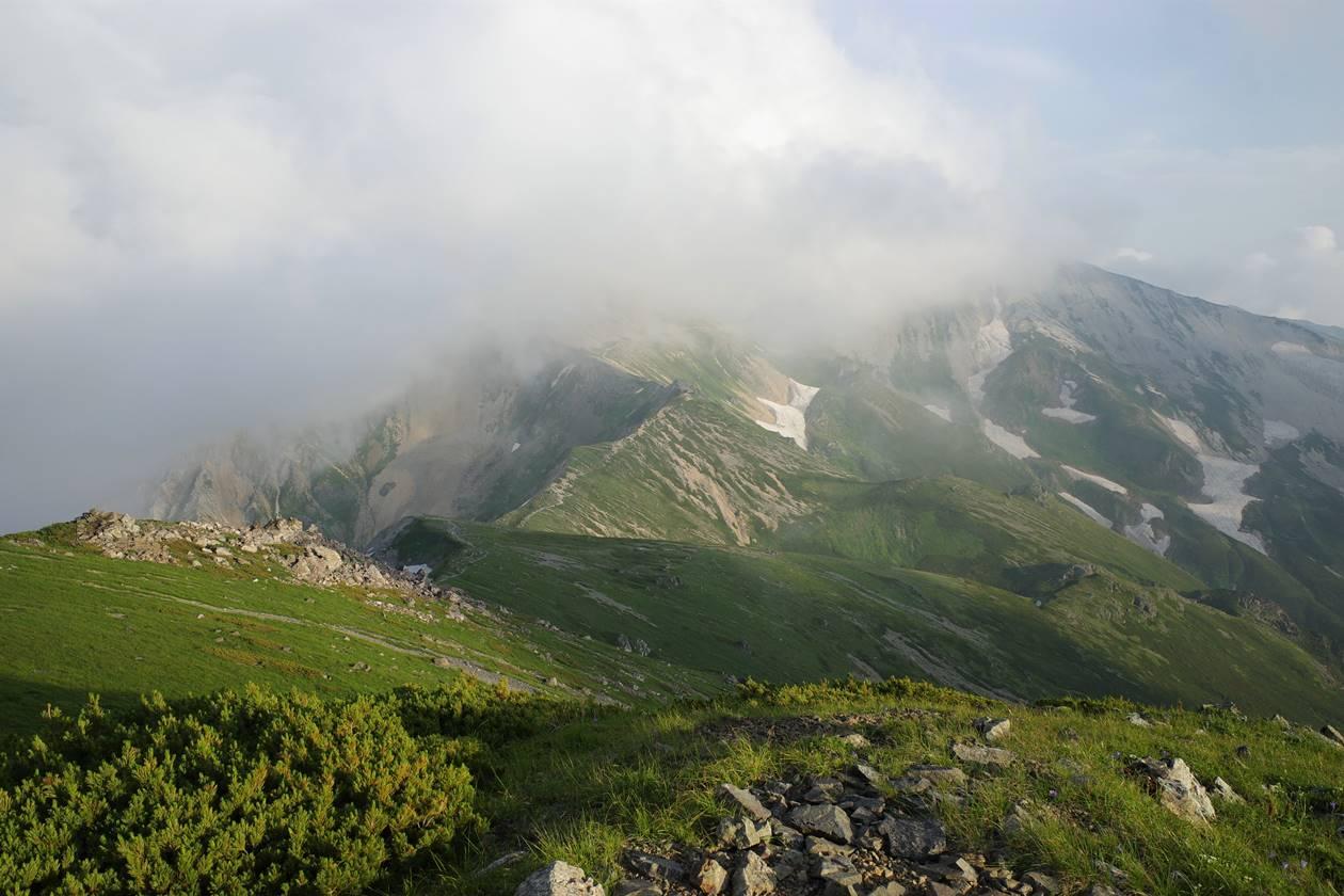 白馬岳 杓子岳~鑓ヶ岳方面の稜線