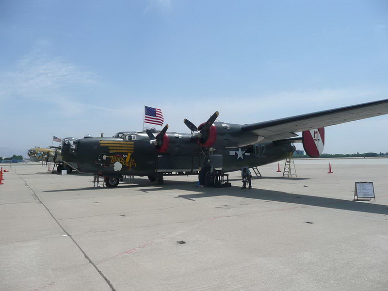 Consolidated B-24J Liberator 00001