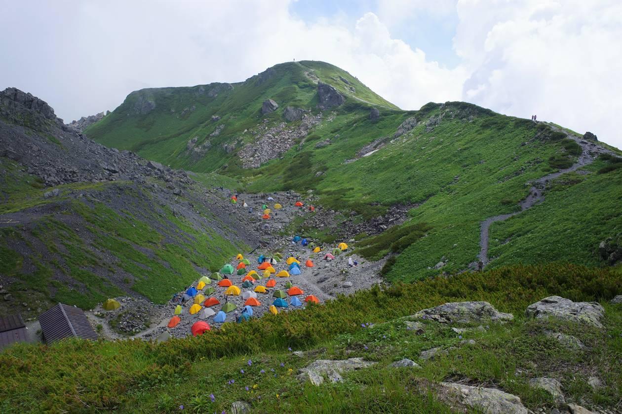 白馬岳頂上宿舎テント場