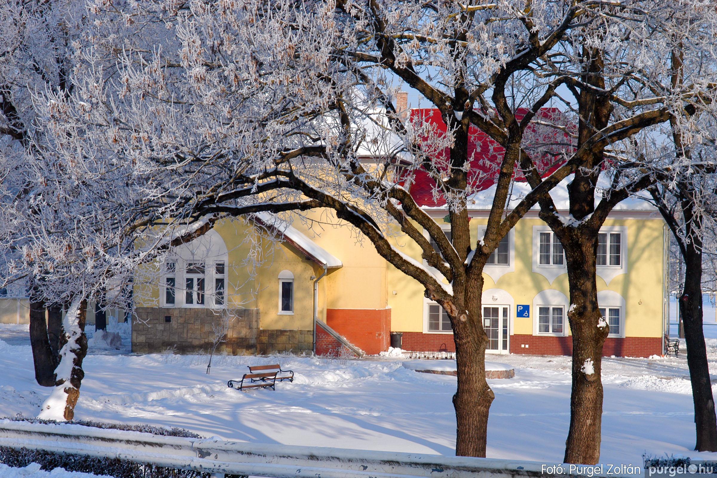 2012.02.08. 021 Szentes hóban-fagyban - Fotó:PURGEL ZOLTÁN© DSC_0108q.jpg