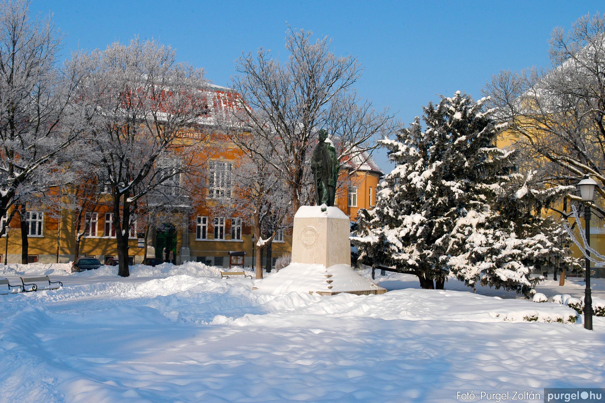 2012.02.08. 014 Szentes hóban-fagyban - Fotó:PURGEL ZOLTÁN© DSC_0095q.jpg