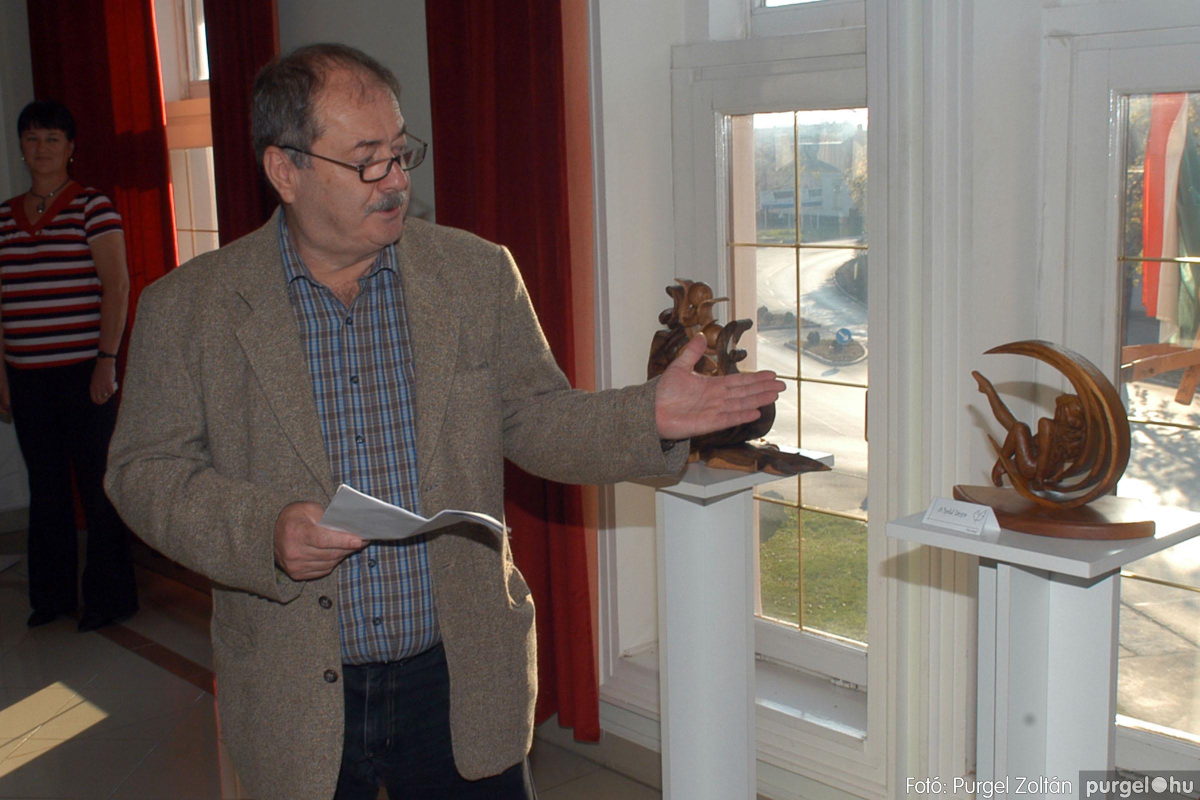 2013.10.26. 006 Tóth József fafaragó kiállítása Szentesen - Fotó:PURGEL ZOLTÁN© DSC_0012q.jpg
