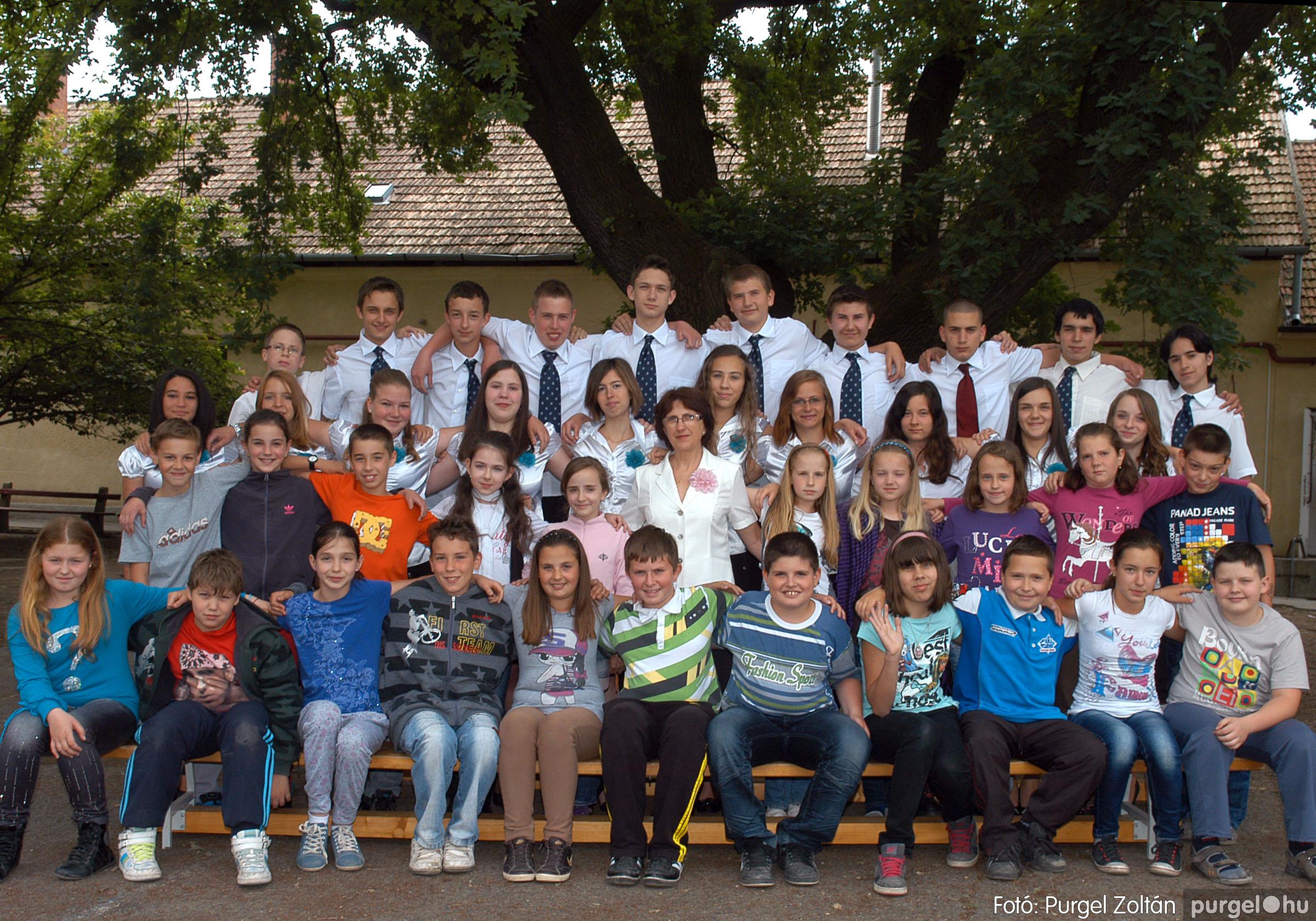 2013.04.04-05.24. 032 Forray Máté Általános Iskola osztályképek 2013. - Fotó:PURGEL ZOLTÁN© DSC_0466q.jpg