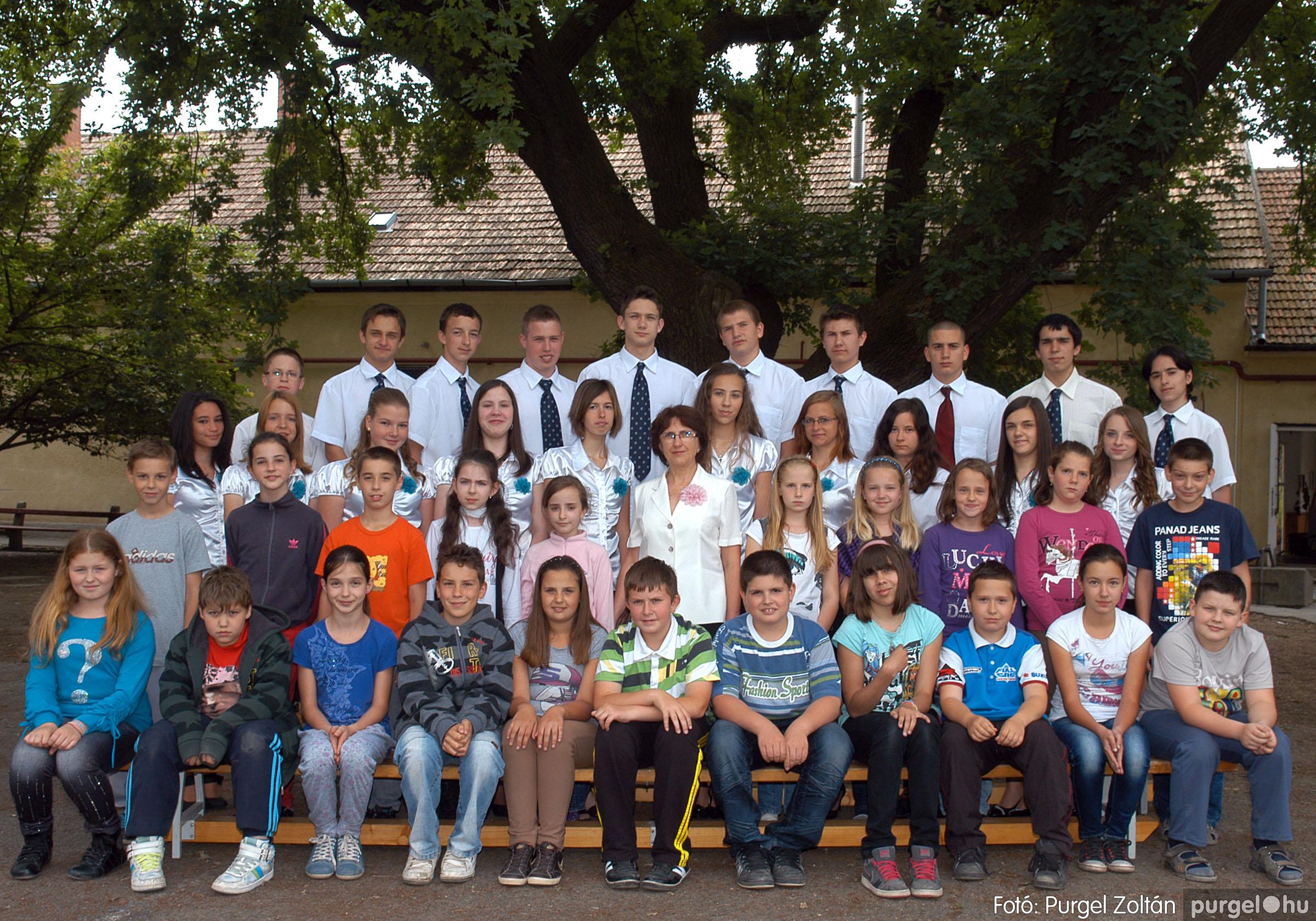 2013.04.04-05.24. 031 Forray Máté Általános Iskola osztályképek 2013. - Fotó:PURGEL ZOLTÁN© DSC_0462q.jpg