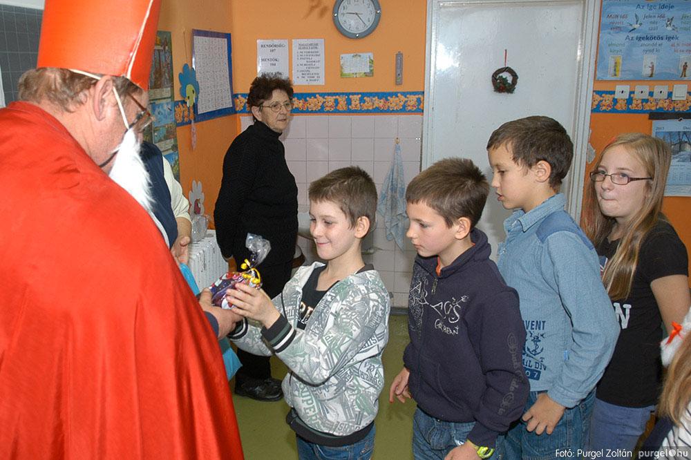2013.12.07. 172 Forray Máté Általános Iskola Mikulás nap - Fotó:PURGEL ZOLTÁN© DSC_0188q.jpg