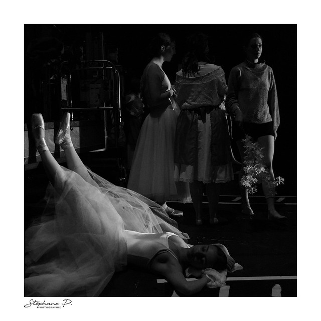 En coulisses / in the backstage