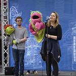 singing puppets